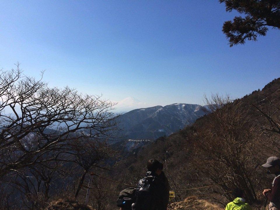 大山から富士山を眺める