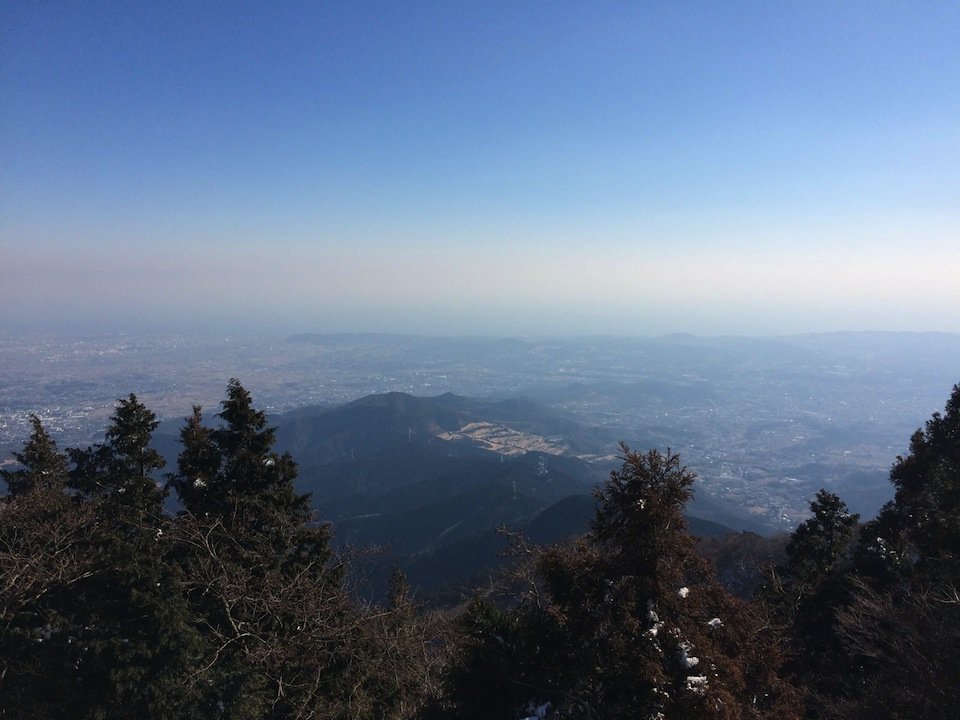 大山山頂から湘南を望む