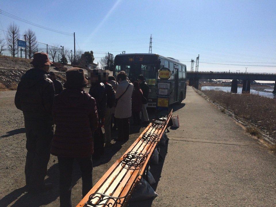 桜祭りのシャトルバス