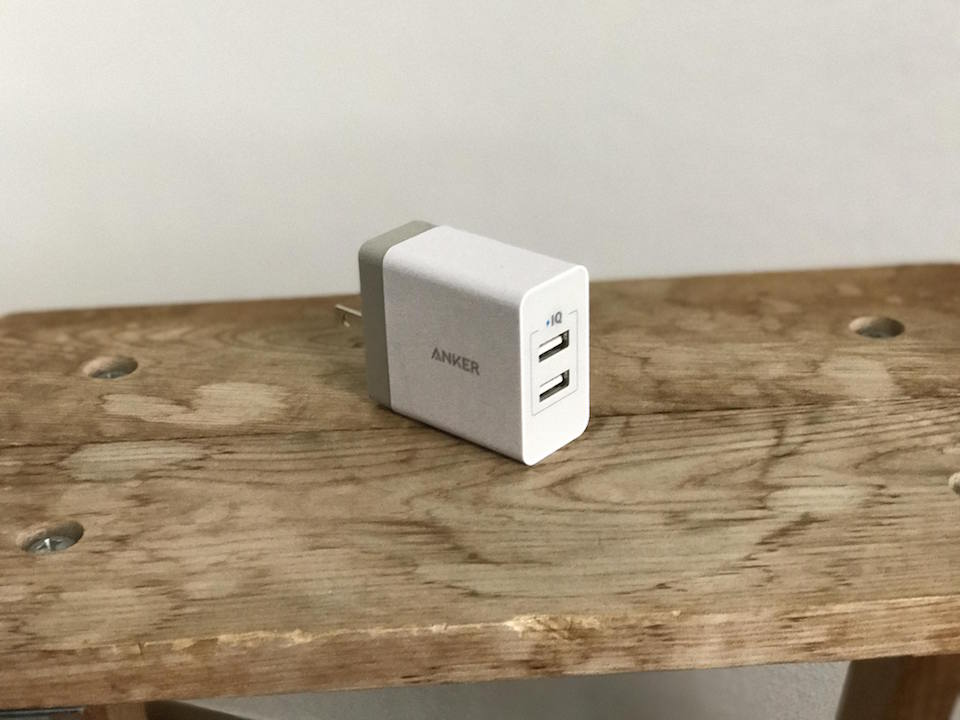 ankerの二又充電器