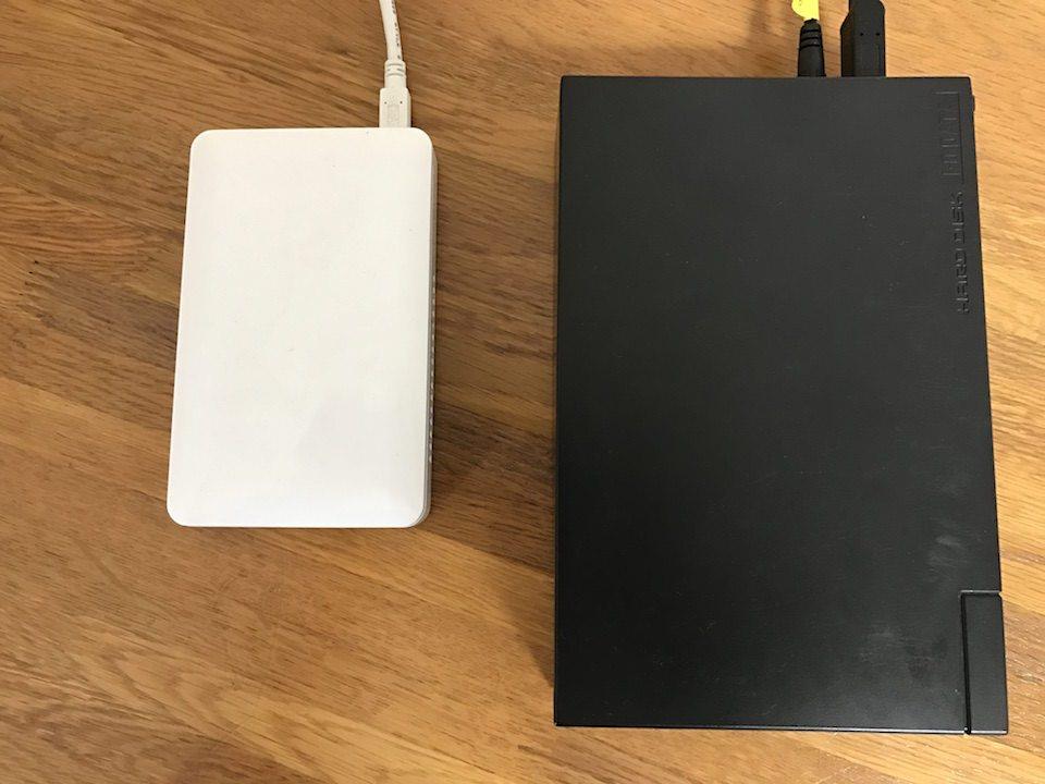 外付けHDDの大きさを比較