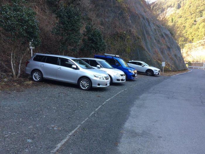 棒ノ折山の登山者用駐車場