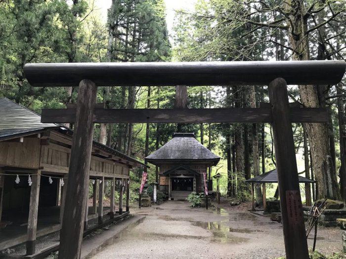 抱返神社の鳥居
