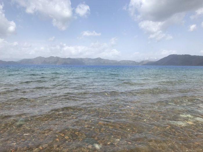 田沢湖の透き通る水