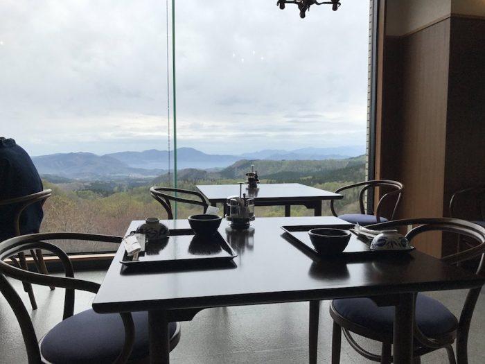 田沢湖を眺める展望レストラン