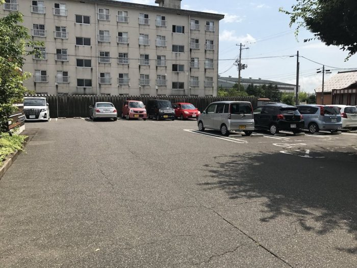 amg kitchenの駐車場