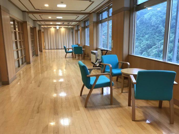 浅草山荘の休憩スペース