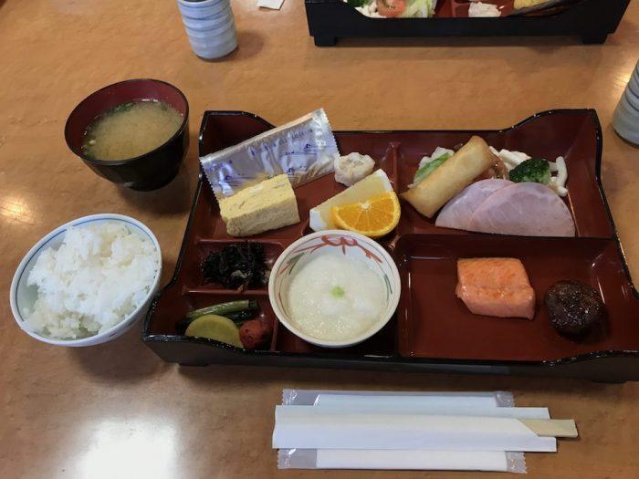 浅草山荘の朝食