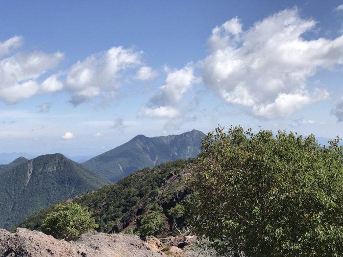 男体山 山頂から女峰山を望む