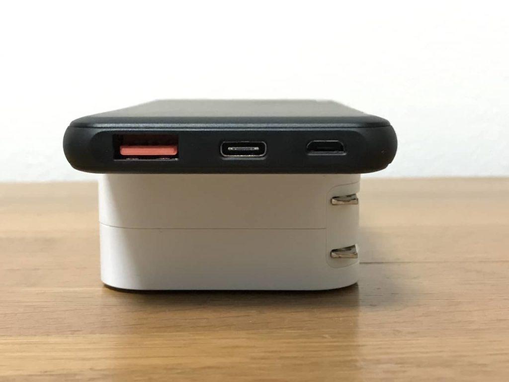 TNTOR モバイルバッテリーの入出力端子