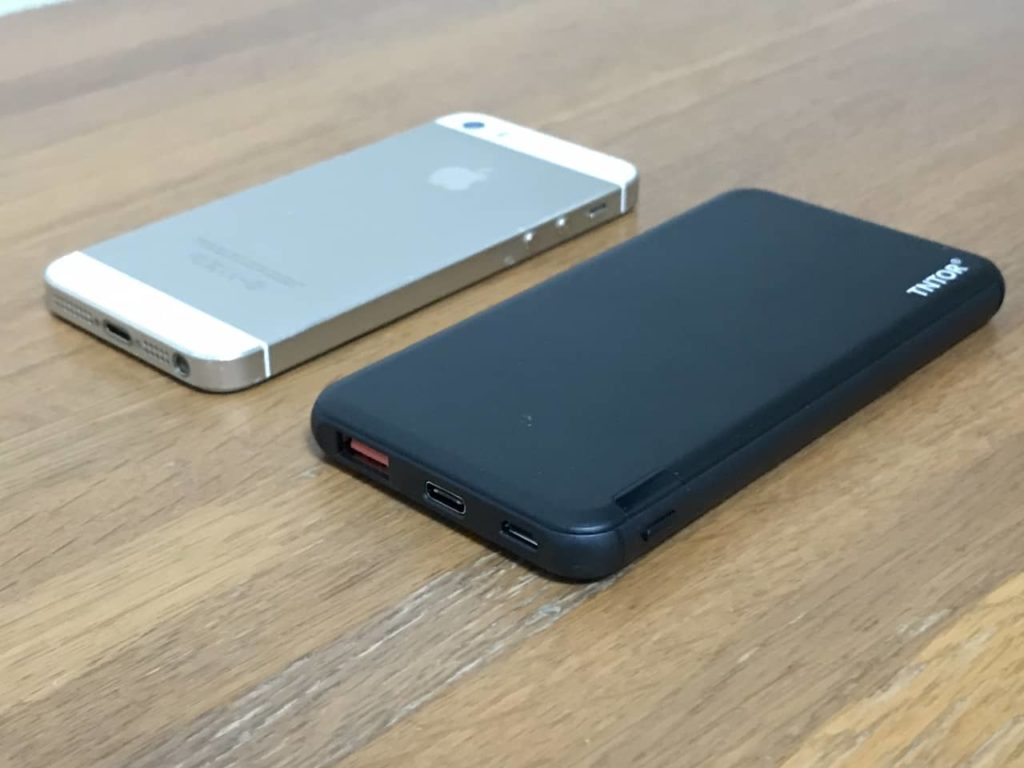 TNTOR モバイルバッテリーとiPhone 5s